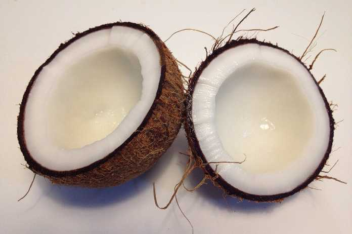 Know the Health Benefits of Coconut in Tamil
